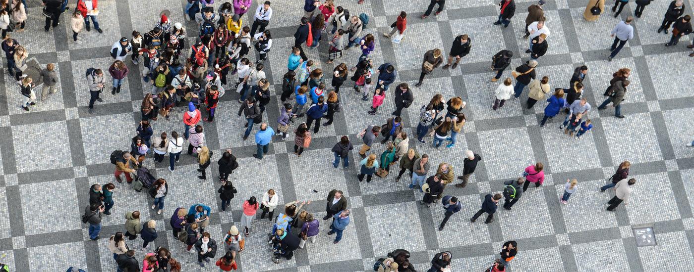 Jak wykorzystać potencjał tłumu w logistyce? O wpływie crowdsourcingu na rynek dostaw