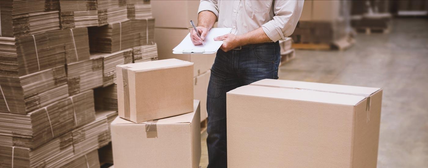 Paczki standardowe i niestandardowe - jak je wysyłać?