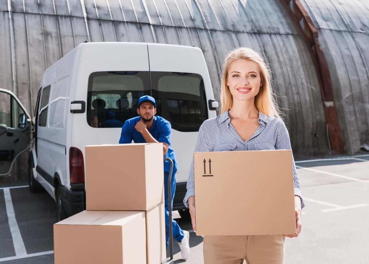 UPS wprowadza zwiększone dopłaty za niestandardy oraz niewymiarowe przesyłki w okresie szczytu paczkowego