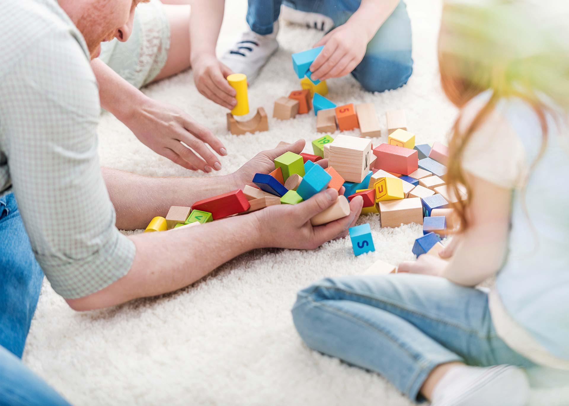 Jak sprzedać używane zabawki i ubranka dziecięce?