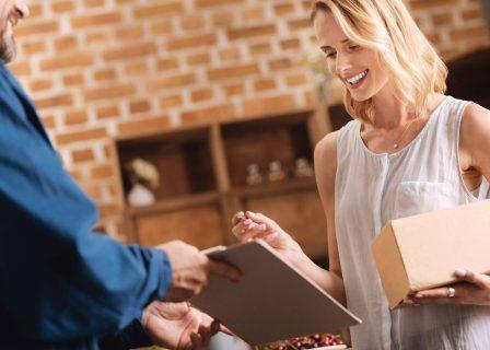 Jak działa płatność za pobraniem i dlaczego warto z niej korzystać?