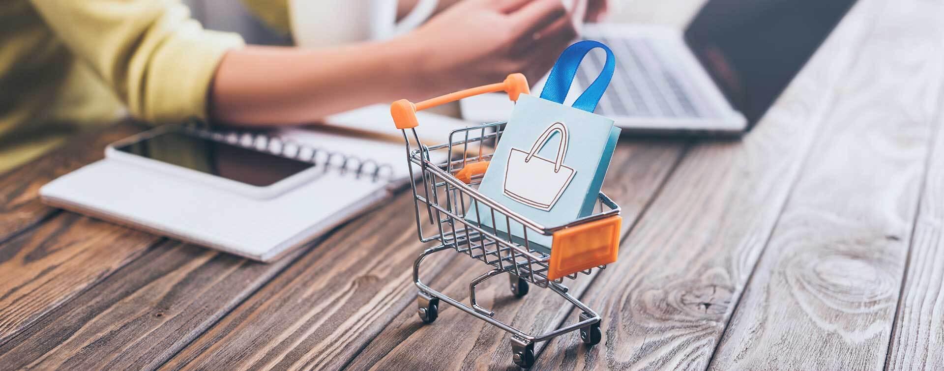 Zwroty zakupów online - badanie Furgonetka.pl